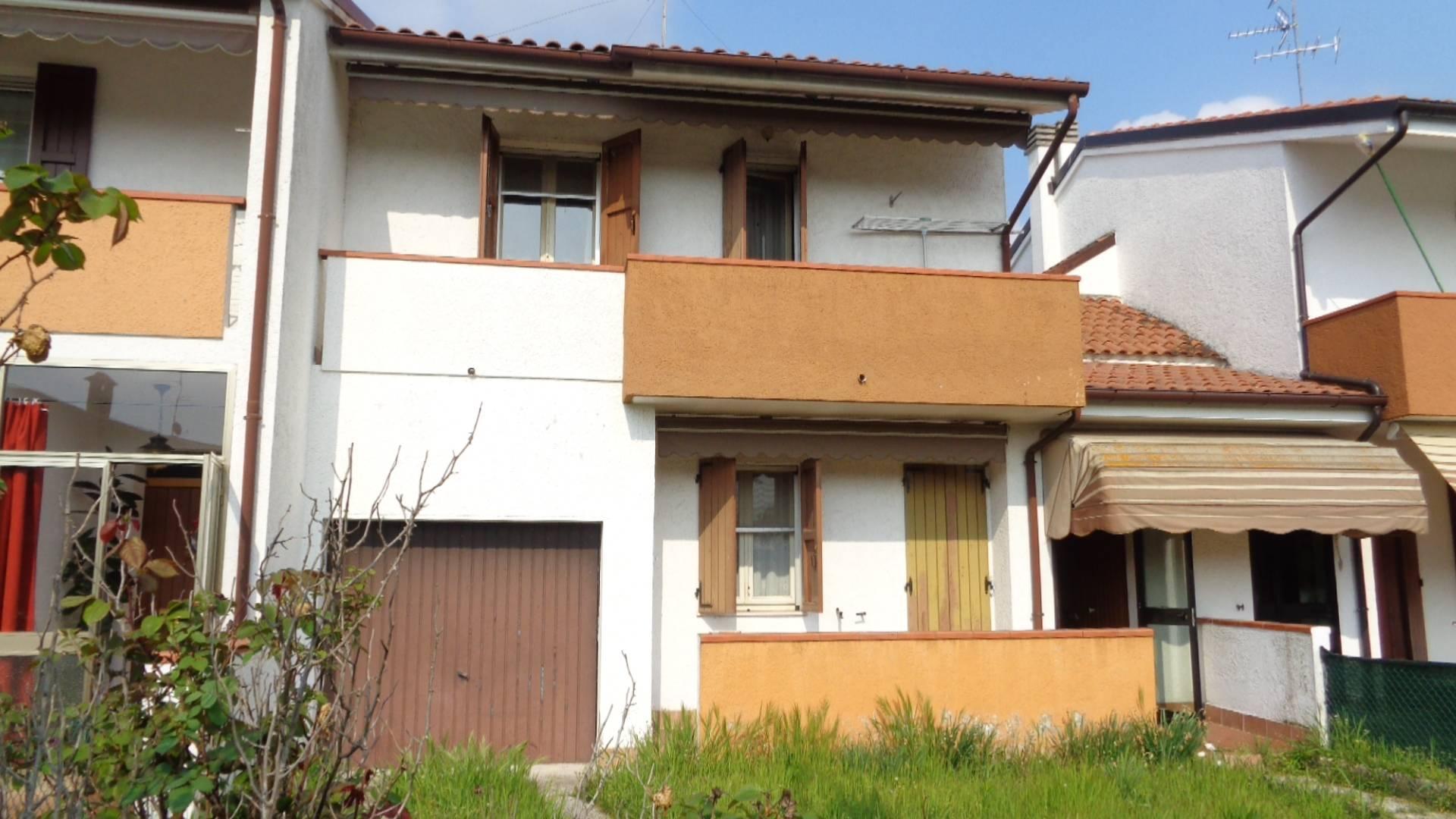 Soluzione Indipendente in vendita a Masi Torello, 5 locali, prezzo € 115.000 | CambioCasa.it