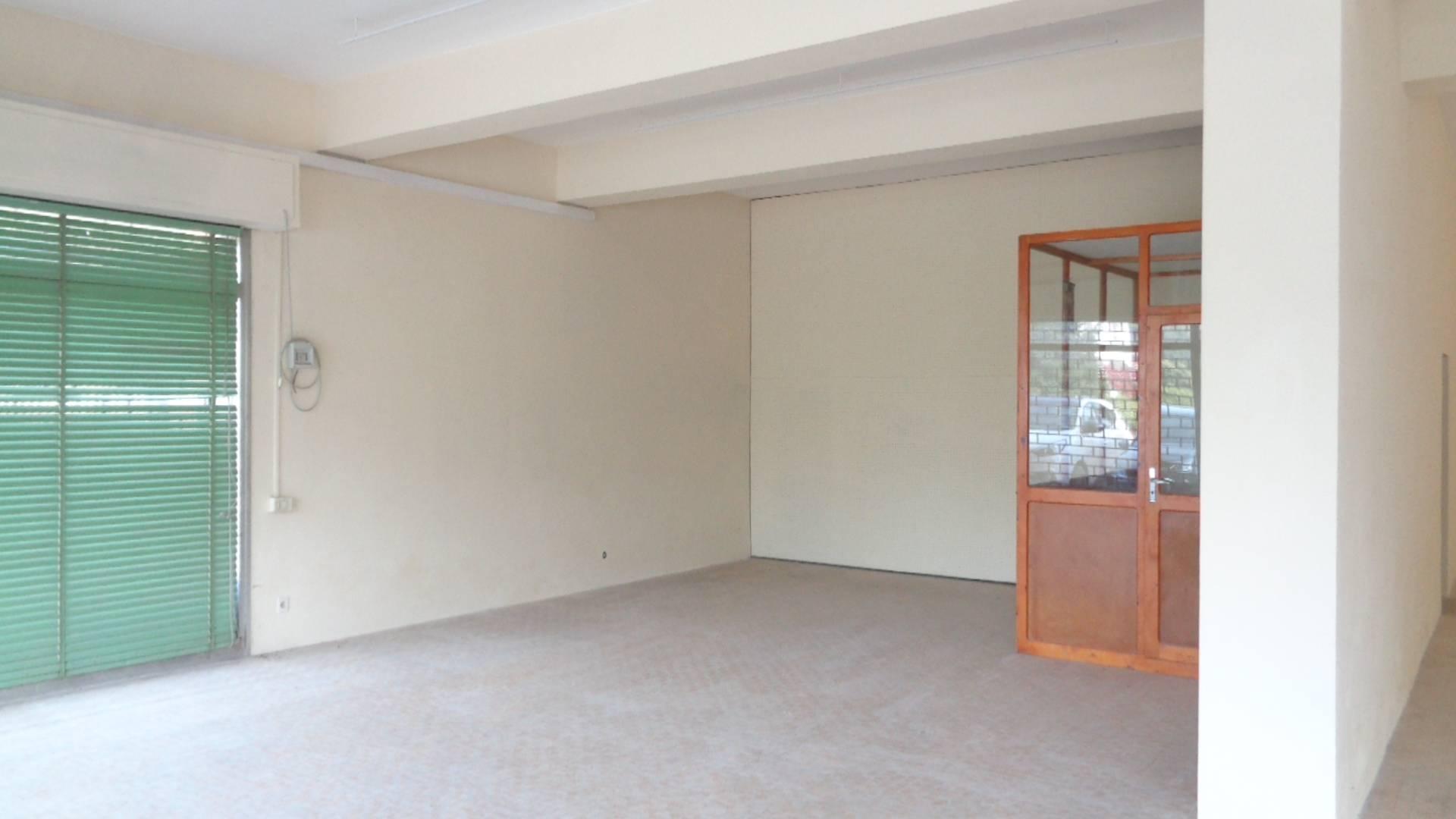 Negozio / Locale in affitto a Portomaggiore, 3 locali, zona Zona: Gambulaga, prezzo € 1.100 | CambioCasa.it