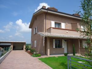 Casa con ingresso indipendente in Affitto a Ferrara