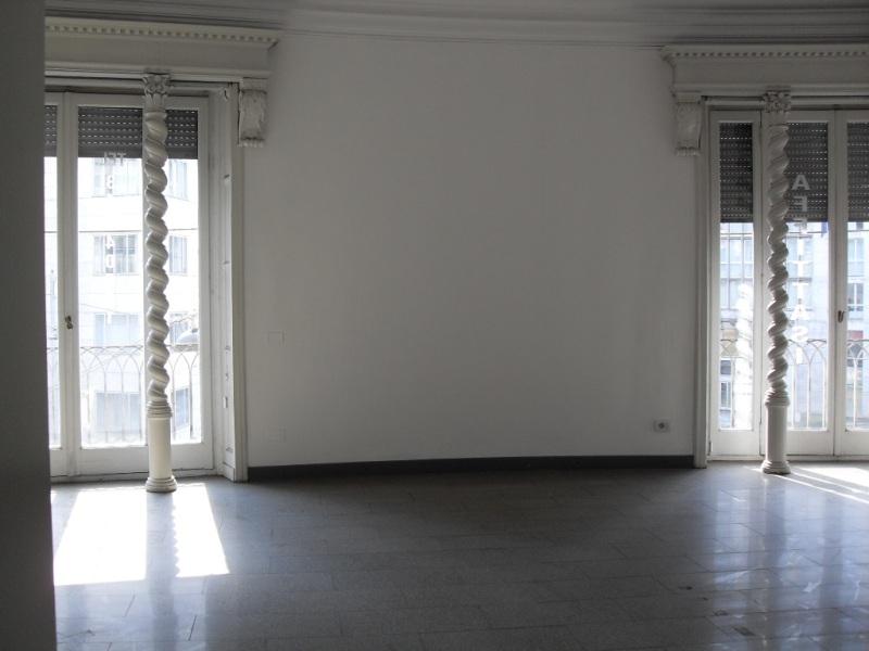 Milano | Ufficio in Affitto in Via Filippo Turati | lacasadimilano.it