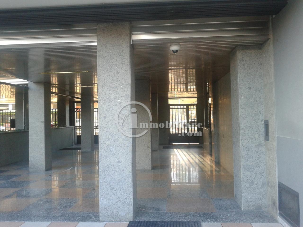 Bilocale Milano Via Giambellino 5