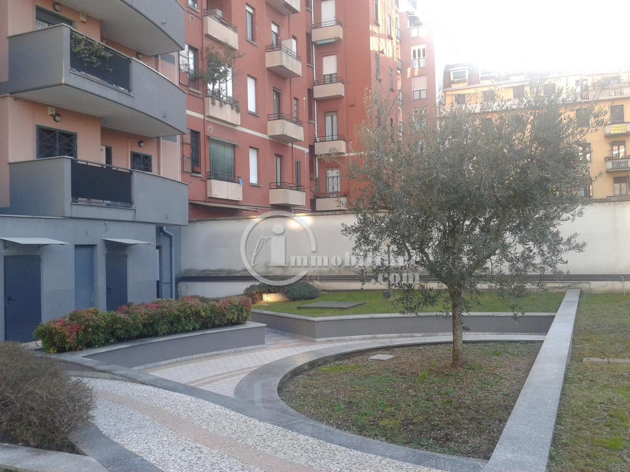 Bilocale Milano Via Giambellino 6