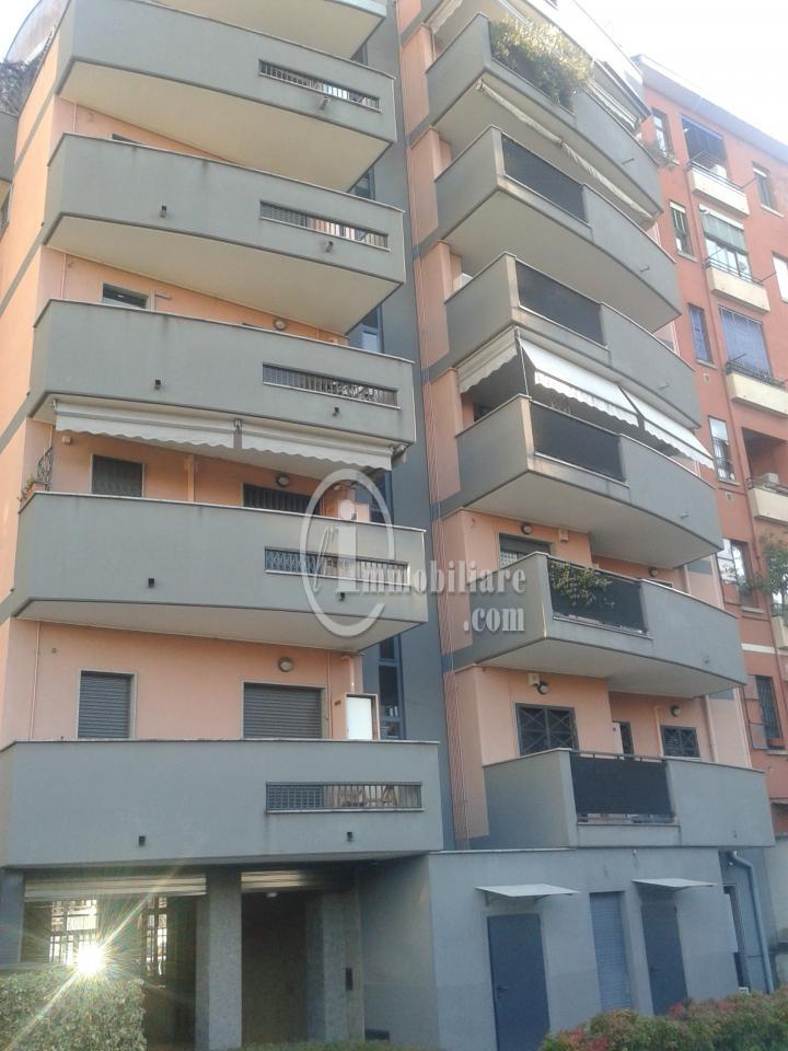 Bilocale Milano Via Giambellino 7