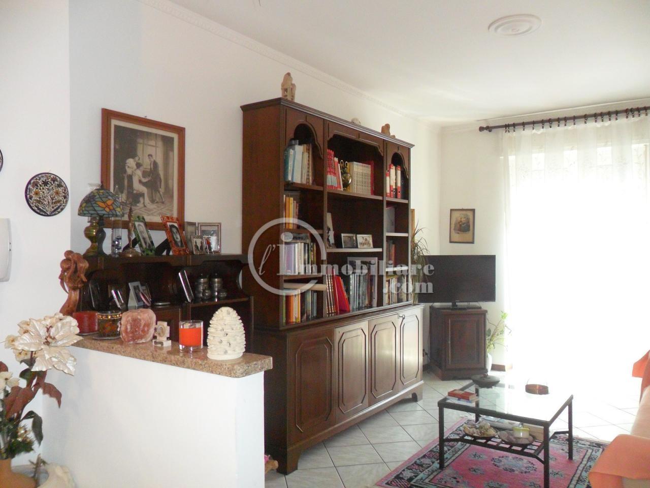 Bilocale Milano Via Renzo E Lucia 4