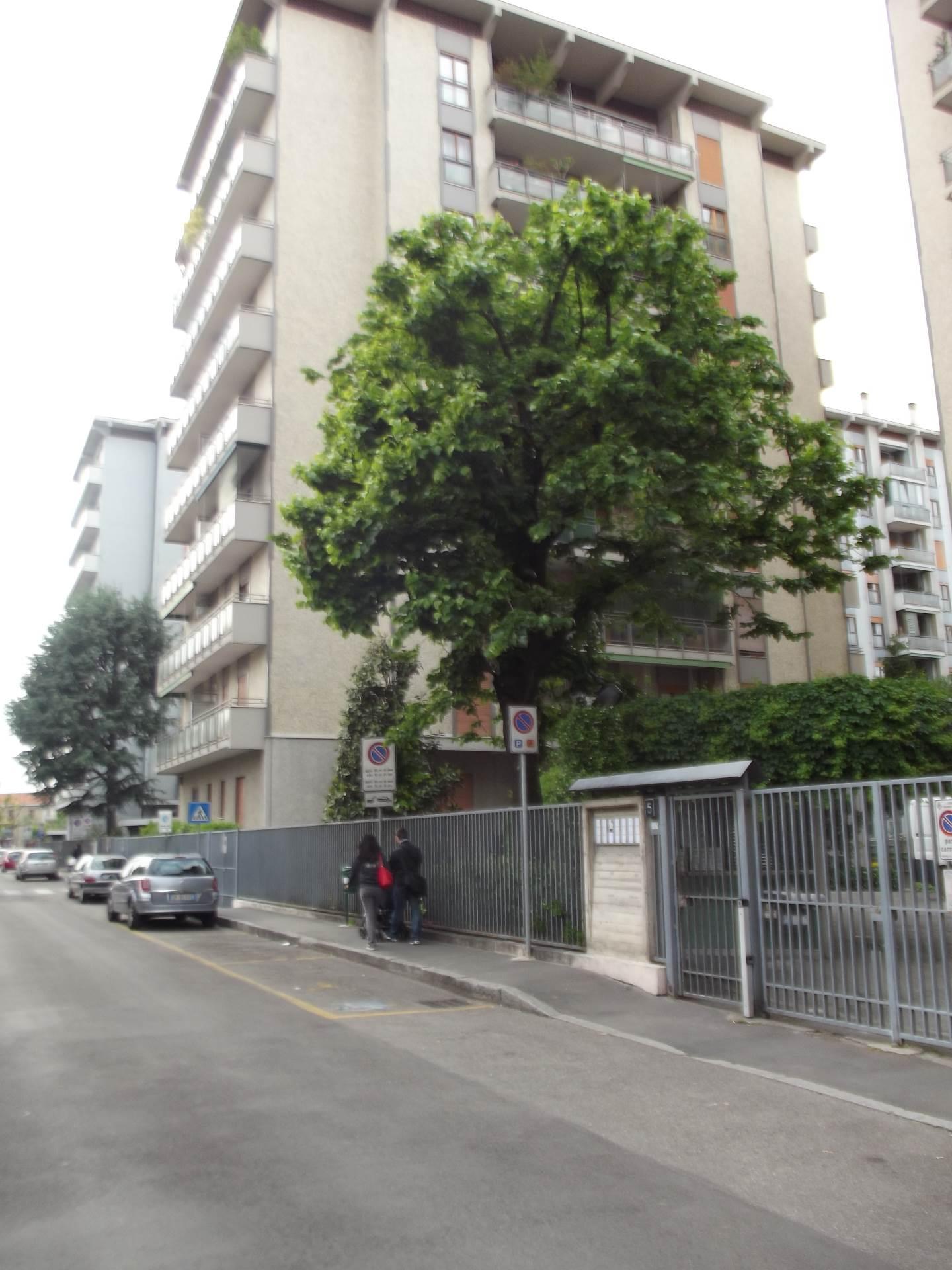 Cologno Monzese | Appartamento in Vendita in Via Merano | lacasadimilano.it