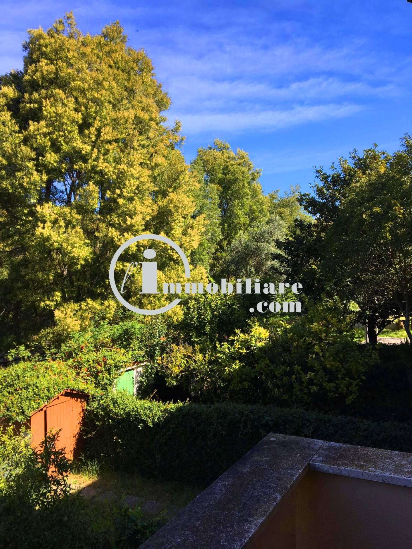 Villa a Schiera in vendita a Sabaudia, 5 locali, prezzo € 95.000 | CambioCasa.it