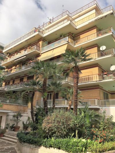 Vai alla scheda: Appartamento Affitto - Roma (RM) | Balduina - Codice -102-BALDUINA VIA DELLA BALDUINA