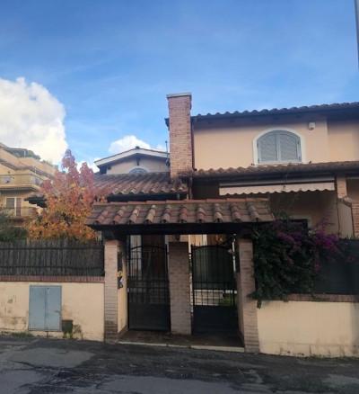 Vai alla scheda: Villa a schiera Vendita - Roma (RM) - Codice -116-Vendita Via Taleggio