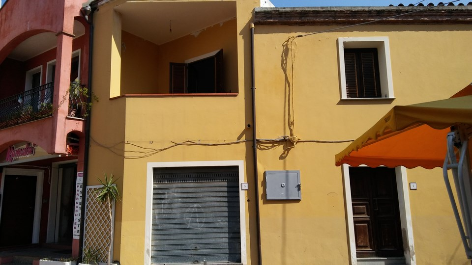 Palazzo / Stabile in Vendita a Tortolì