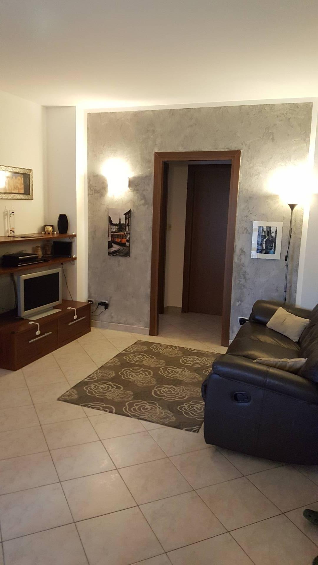 Appartamento in vendita a Nichelino, 4 locali, prezzo € 168.000   CambioCasa.it