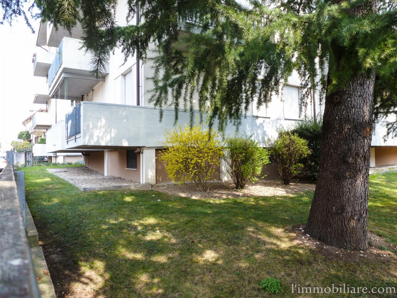 Appartamento in affitto a Verona, 4 locali, zona Località: PonteCrencano, prezzo € 510 | Cambio Casa.it