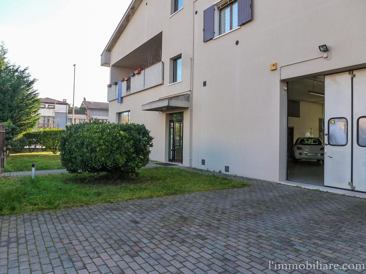 Laboratorio in affitto a Verona, 9999 locali, zona Zona: 5 . Quinzano - Pindemonte - Ponte Crencano - Valdonega - Avesa , prezzo € 1.100 | CambioCasa.it