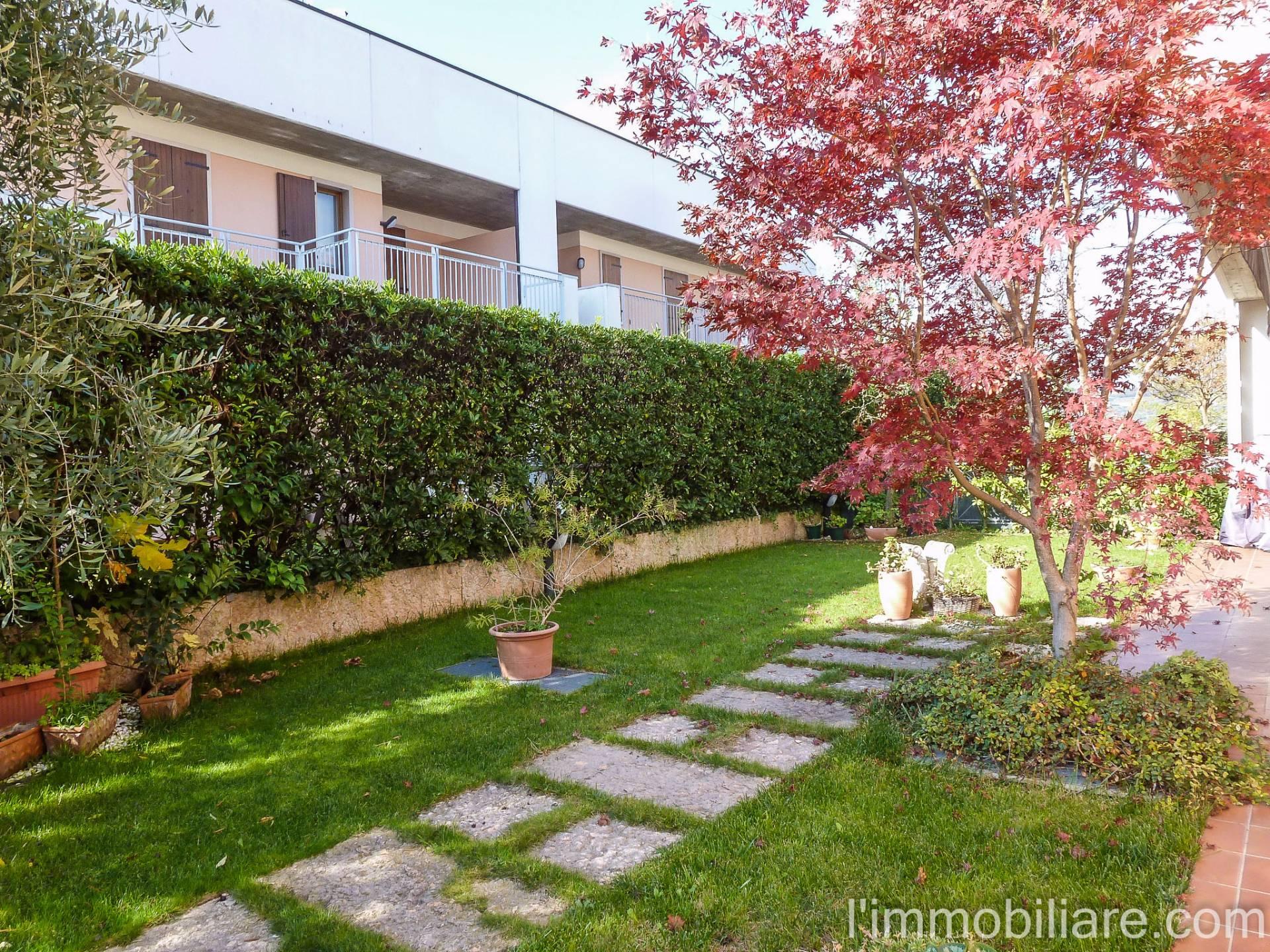Villa a Schiera in affitto a Negrar, 5 locali, zona Località: S.aMaria, prezzo € 1.200 | Cambio Casa.it