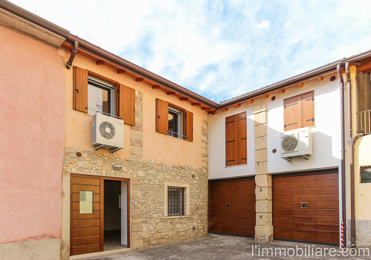 Soluzione Indipendente in vendita a Verona, 3 locali, zona Zona: 5 . Quinzano - Pindemonte - Ponte Crencano - Valdonega - Avesa , prezzo € 198.000 | Cambio Casa.it