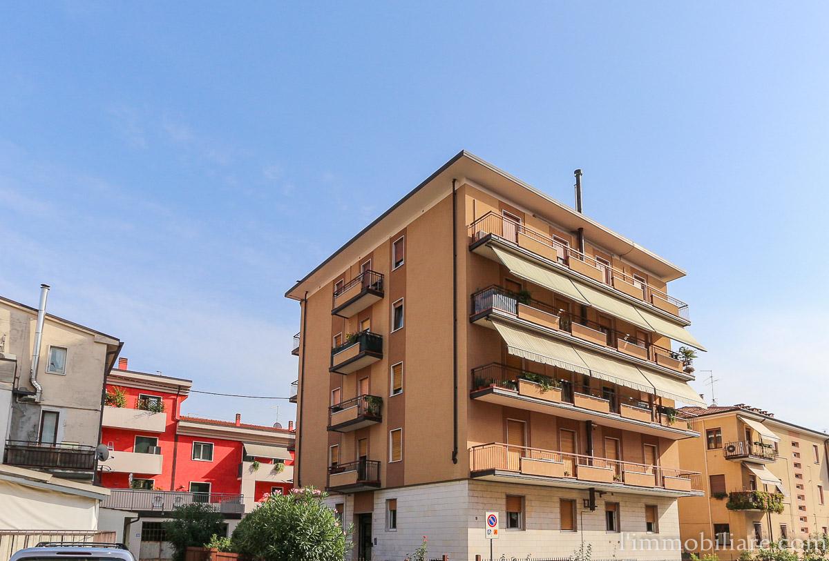 Appartamento in affitto a Verona, 3 locali, zona Località: PonteCrencano, prezzo € 570 | Cambio Casa.it