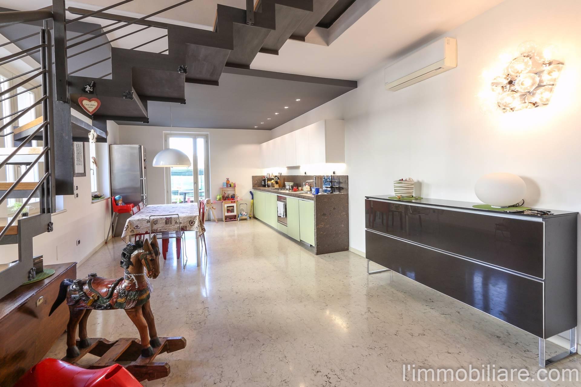 Soluzione Indipendente in vendita a Verona, 6 locali, zona Località: BorgoVenezia, prezzo € 490.000 | Cambio Casa.it