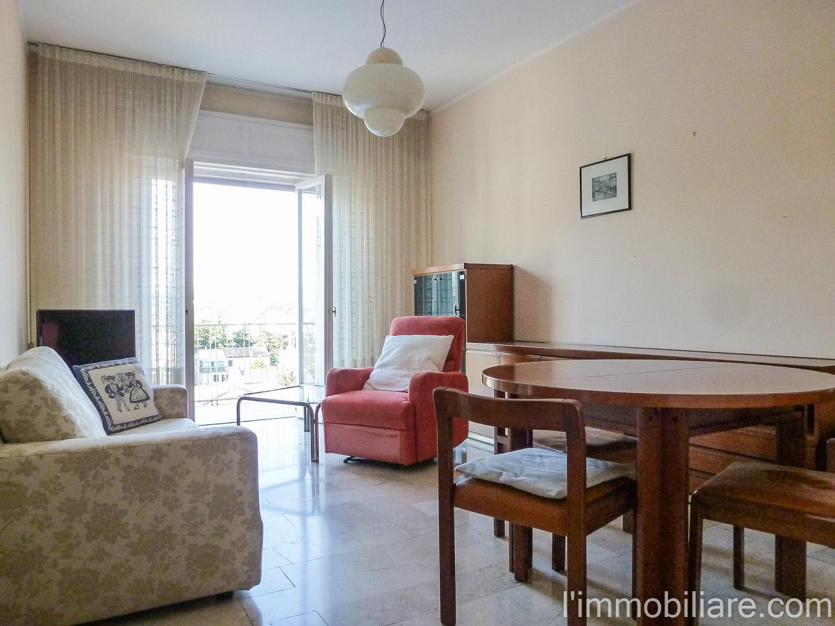 Appartamento in affitto a Verona, 4 locali, zona Zona: 1 . ZTL - Piazza Cittadella - San Zeno - Stadio, prezzo € 550 | CambioCasa.it