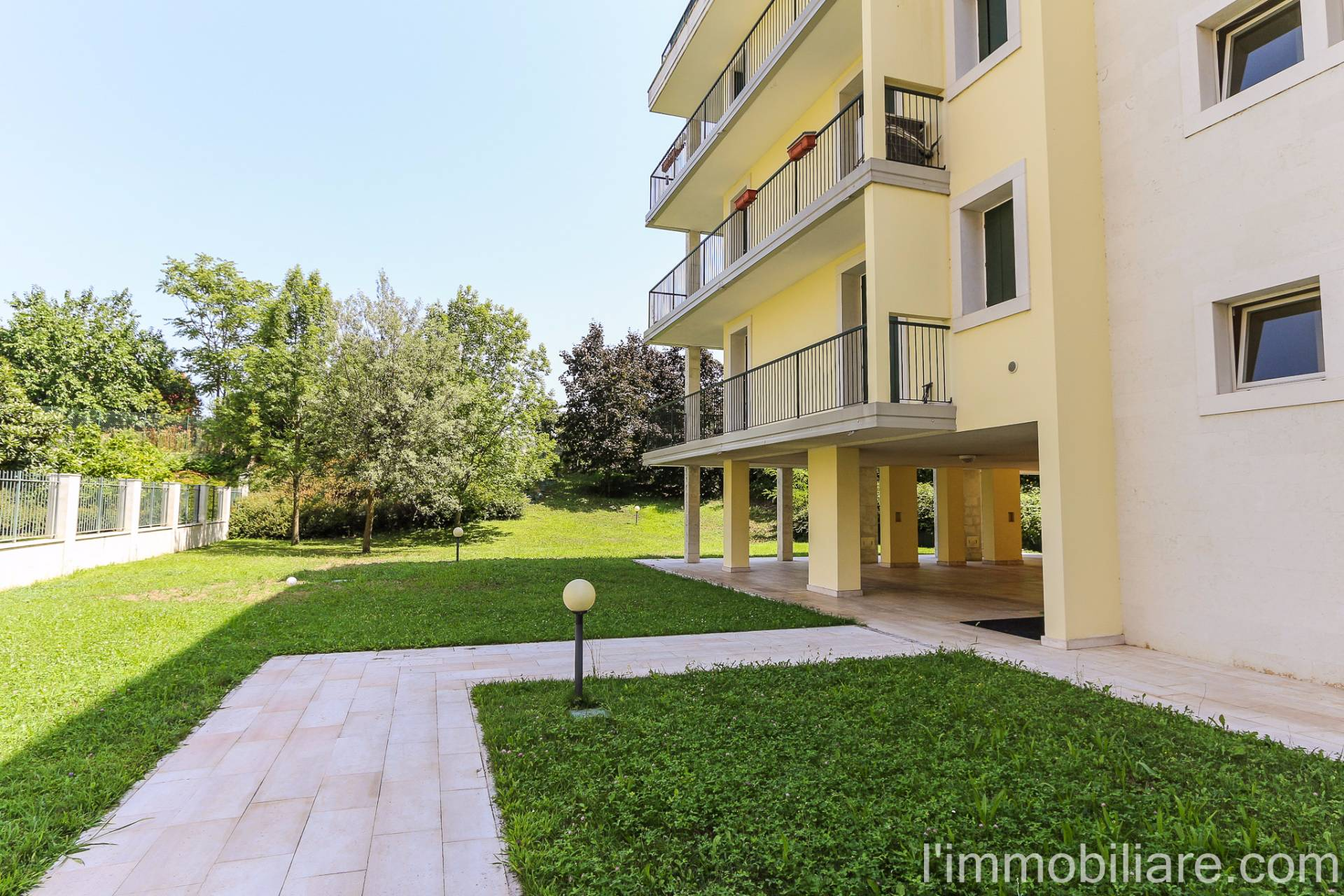 Appartamento in affitto a Verona, 5 locali, zona Località: PonteCrencano, prezzo € 1.000 | CambioCasa.it