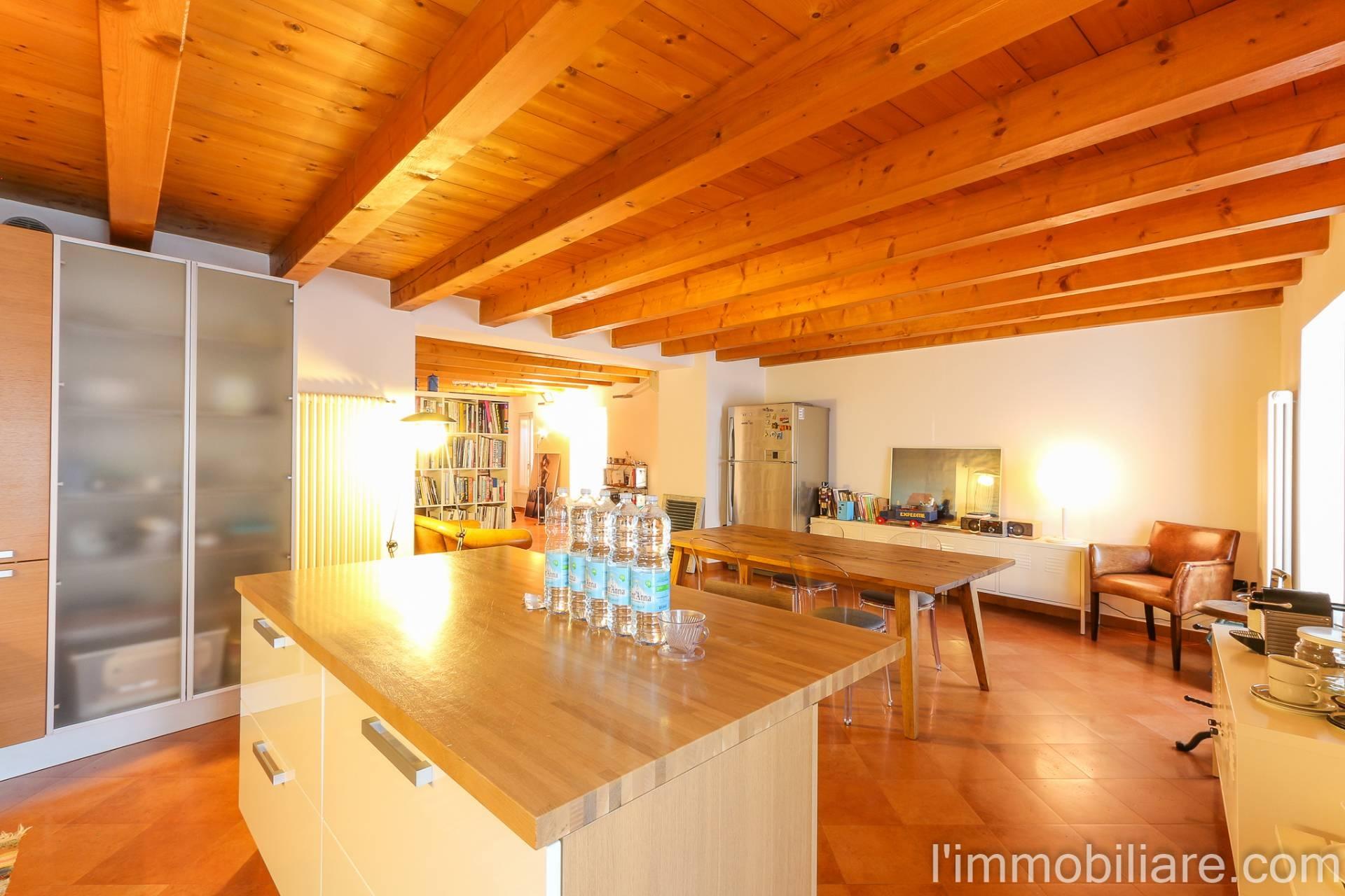 Appartamento in affitto a Verona, 3 locali, zona Località: SanZeno, prezzo € 1.850   CambioCasa.it
