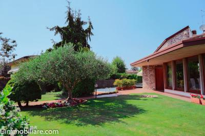 Vai alla scheda: Villa singola Vendita - Castel d'Azzano (VR) | Beccacivetta - Codice -46-45