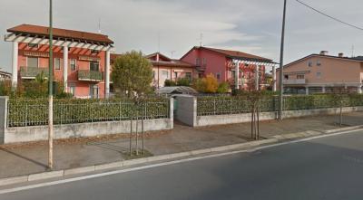 Vai alla scheda: Box / Posto auto Affitto - Castel d'Azzano (VR) | Beccacivetta - Codice L4