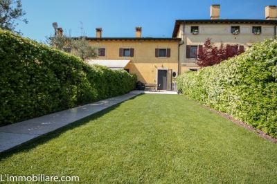 Vai alla scheda: Villa a schiera Vendita - Verona (VR) | S. Lucia - Codice -46-.1