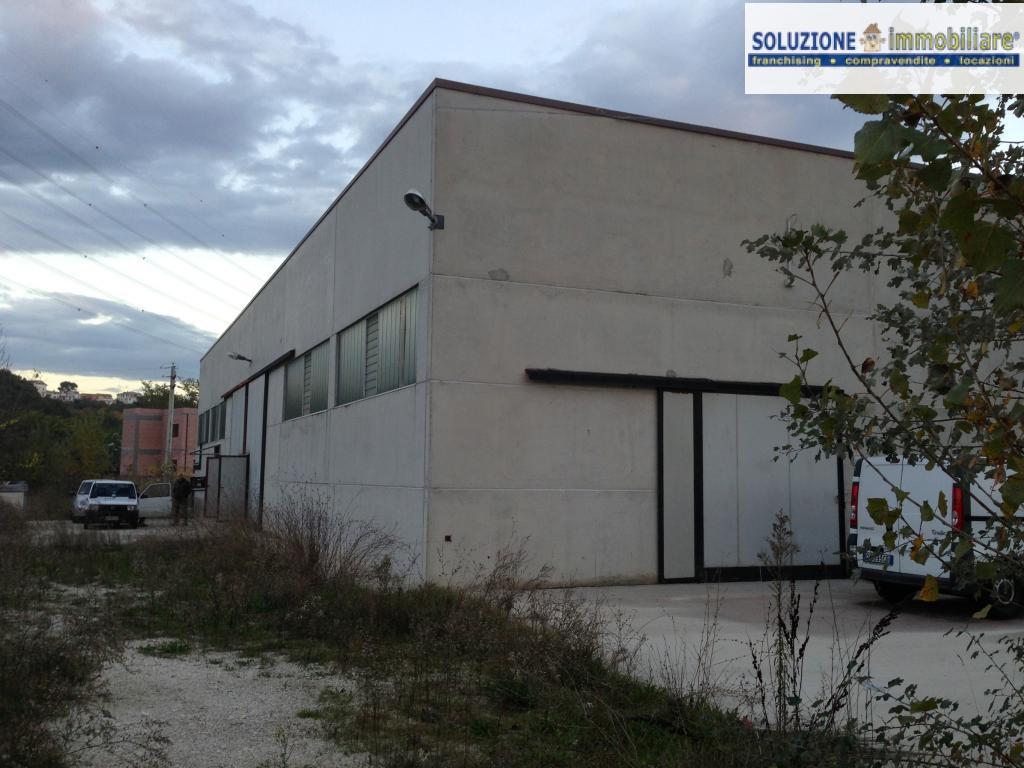Capannone in vendita a Cepagatti, 9999 locali, zona Zona: Vallemare, prezzo € 340.000 | Cambio Casa.it