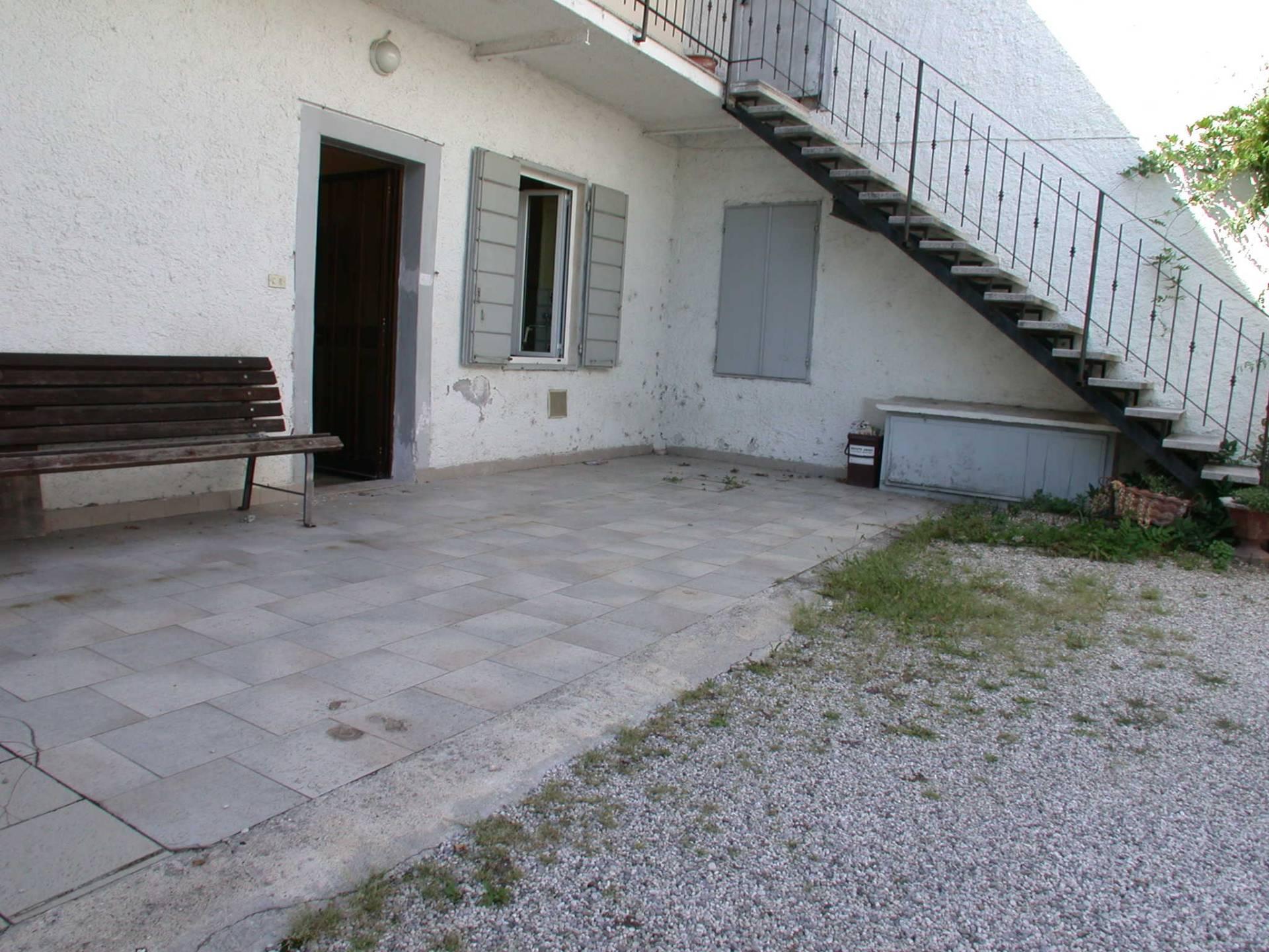 Appartamento in vendita a Gorizia, 3 locali, zona Zona: Lucinico, prezzo € 38.000 | CambioCasa.it