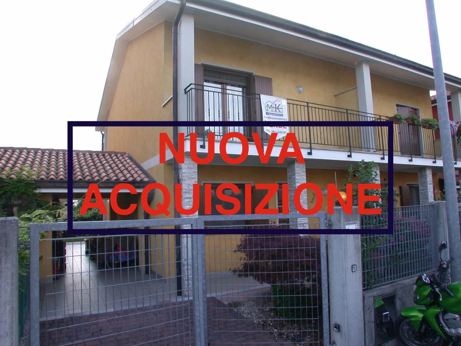 Villa Bifamiliare in vendita a Mossa, 6 locali, prezzo € 145.000 | Cambio Casa.it