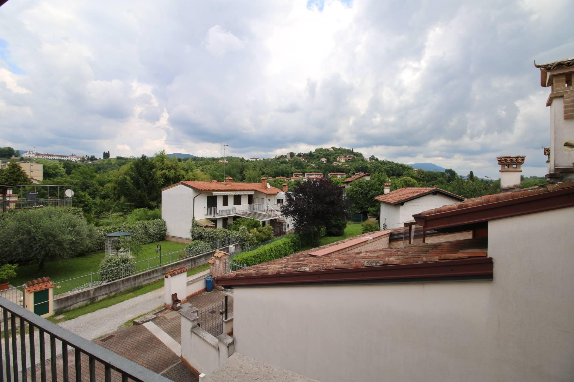 Appartamento in vendita a Gorizia, 3 locali, zona Località: Montesanto, prezzo € 86.000 | CambioCasa.it
