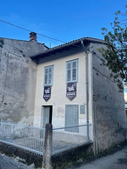 Villa in vendita a Gorizia, 4 locali, zona Località: Piedimonte, prezzo € 26.500   CambioCasa.it