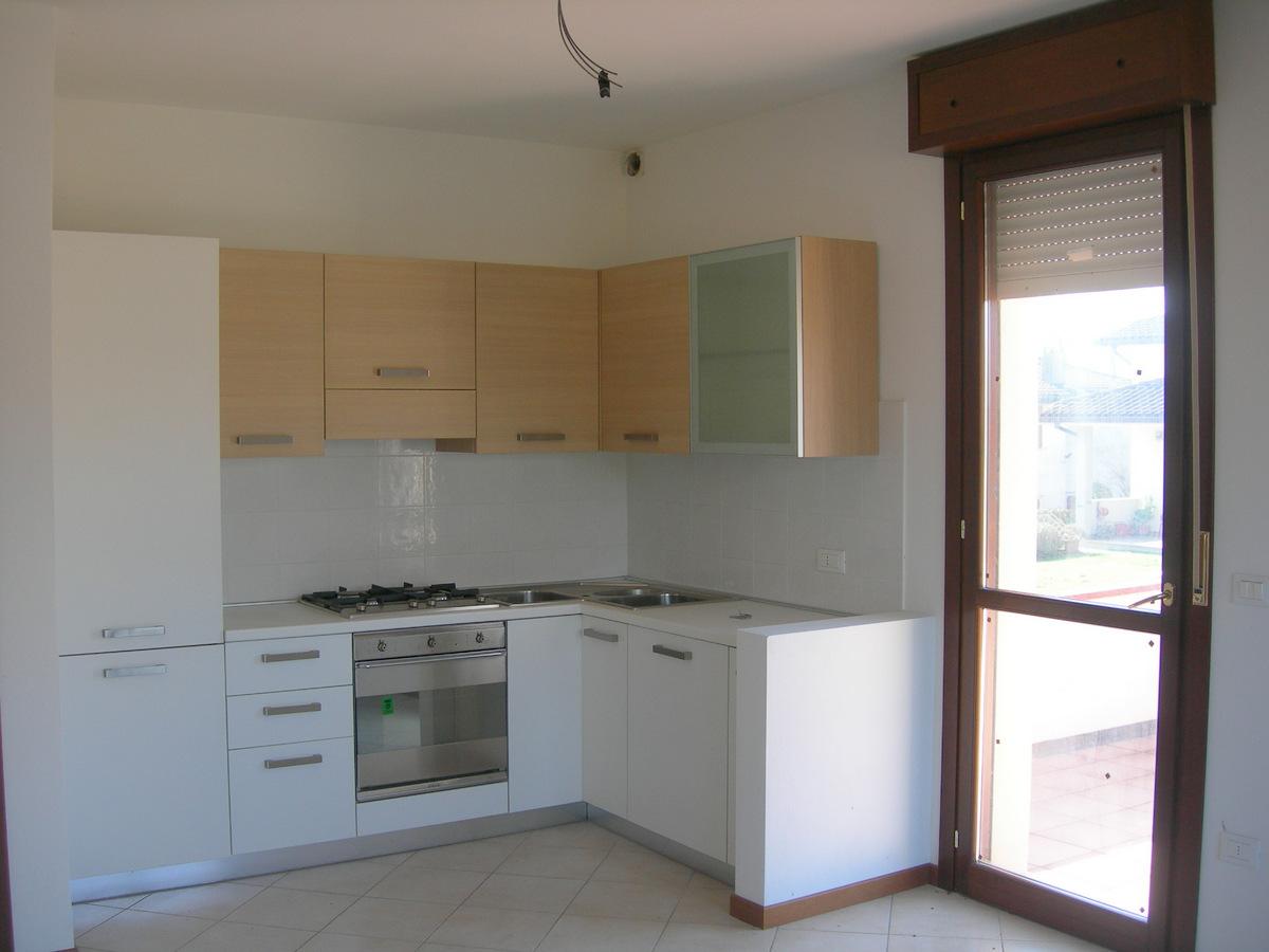 Foto 1 di Appartamento via Filippo Turati, Mirabello
