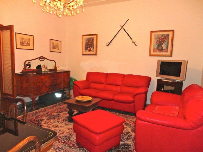 Appartamento in affitto a Ferrara, 4 locali, zona Località: EntroMura, prezzo € 550 | Cambio Casa.it
