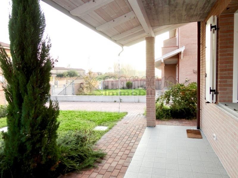 Villa in affitto a Vigarano Mainarda, 5 locali, prezzo € 1.200 | Cambio Casa.it