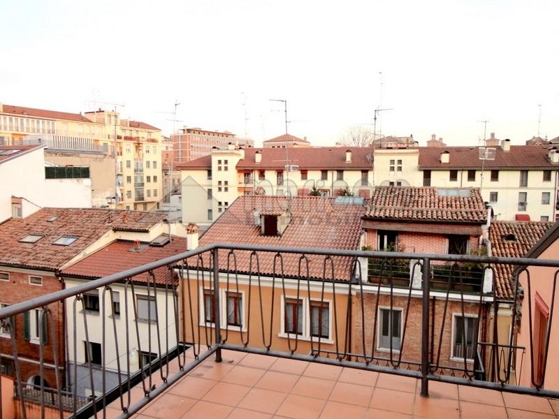 Ufficio / Studio in affitto a Ferrara, 9999 locali, zona Località: Centrostorico, prezzo € 950 | Cambio Casa.it