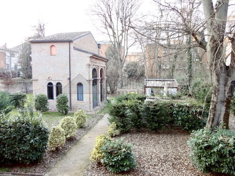 Ufficio / Studio in affitto a Ferrara, 9999 locali, zona Località: Centrostorico, prezzo € 430 | Cambio Casa.it