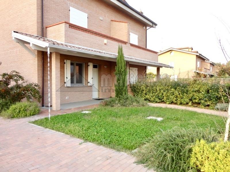Villa a Schiera in affitto a Vigarano Mainarda, 5 locali, zona Località: VigaranoPieve, prezzo € 1.200 | Cambio Casa.it