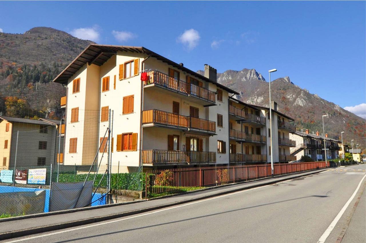 Appartamento in vendita a Piazza Brembana, 2 locali, prezzo € 64.000 | Cambio Casa.it