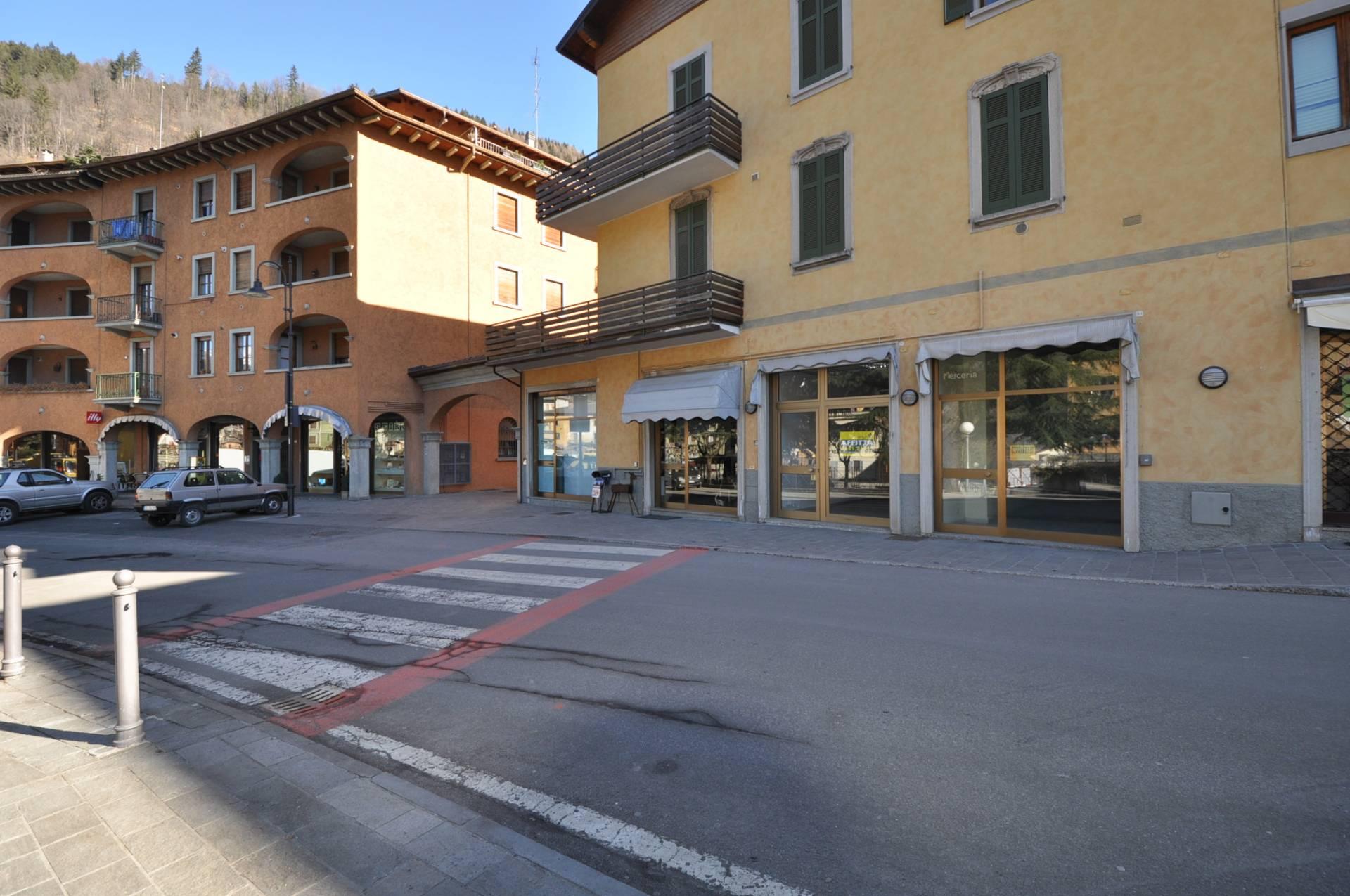Negozio / Locale in vendita a Piazza Brembana, 9999 locali, prezzo € 63.000 | Cambio Casa.it