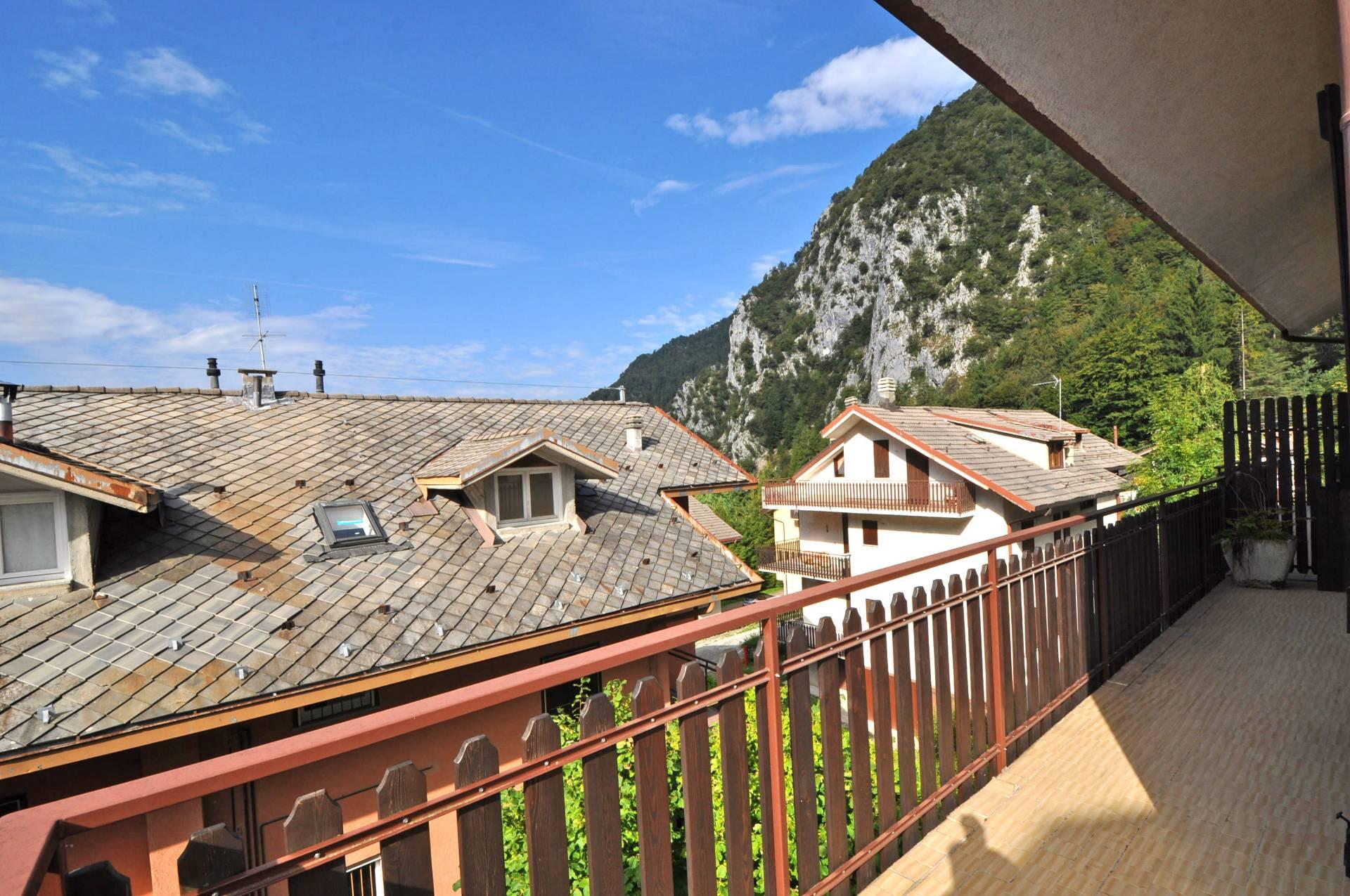 Appartamento in vendita a Piazzatorre, 3 locali, prezzo € 47.000 | Cambio Casa.it