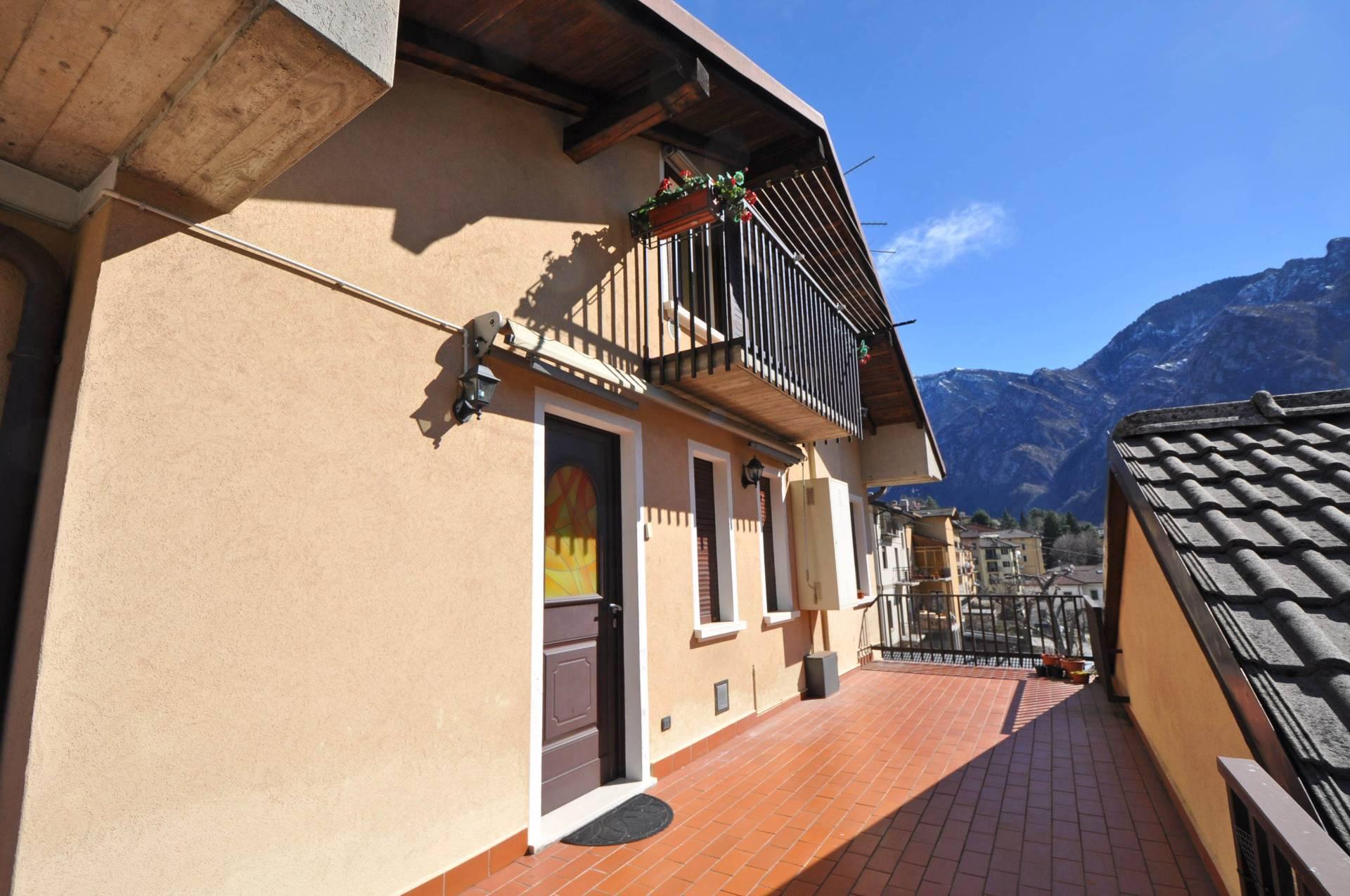 Appartamento in vendita a Piazza Brembana, 3 locali, prezzo € 89.000 | Cambio Casa.it
