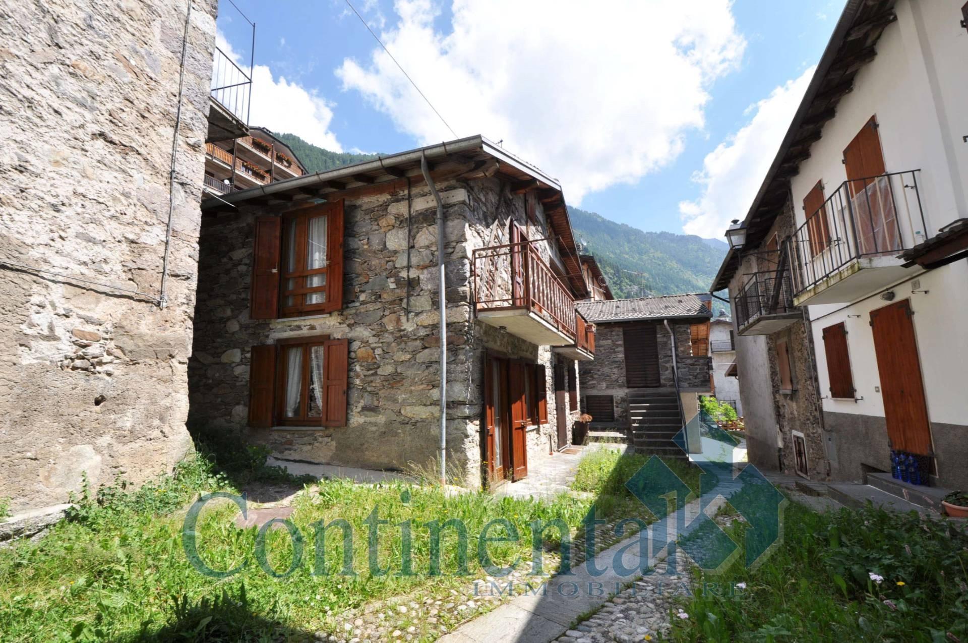 Rustico / Casale in vendita a Carona, 3 locali, prezzo € 122.000   PortaleAgenzieImmobiliari.it