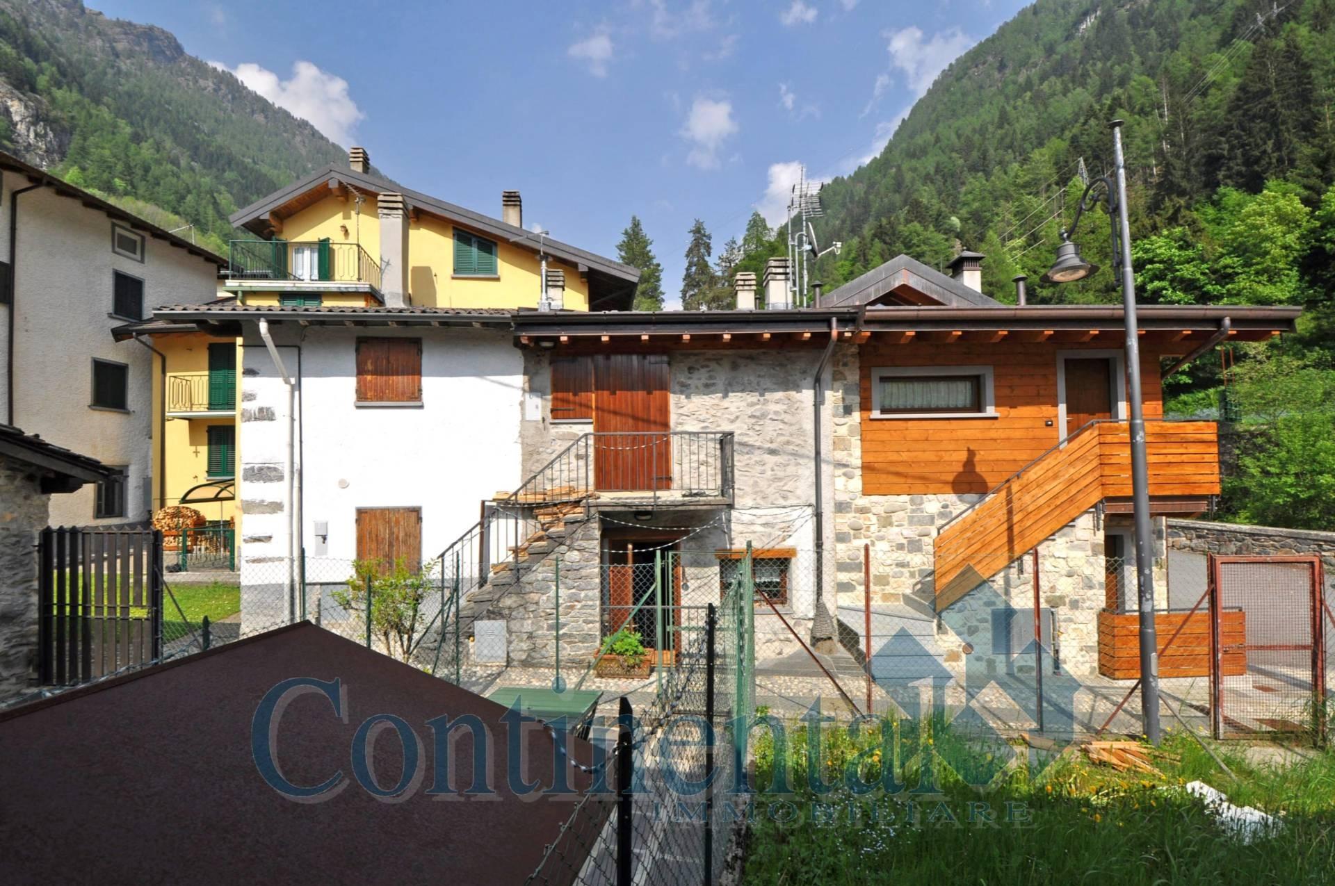 Rustico / Casale in vendita a Carona, 3 locali, prezzo € 129.000   PortaleAgenzieImmobiliari.it