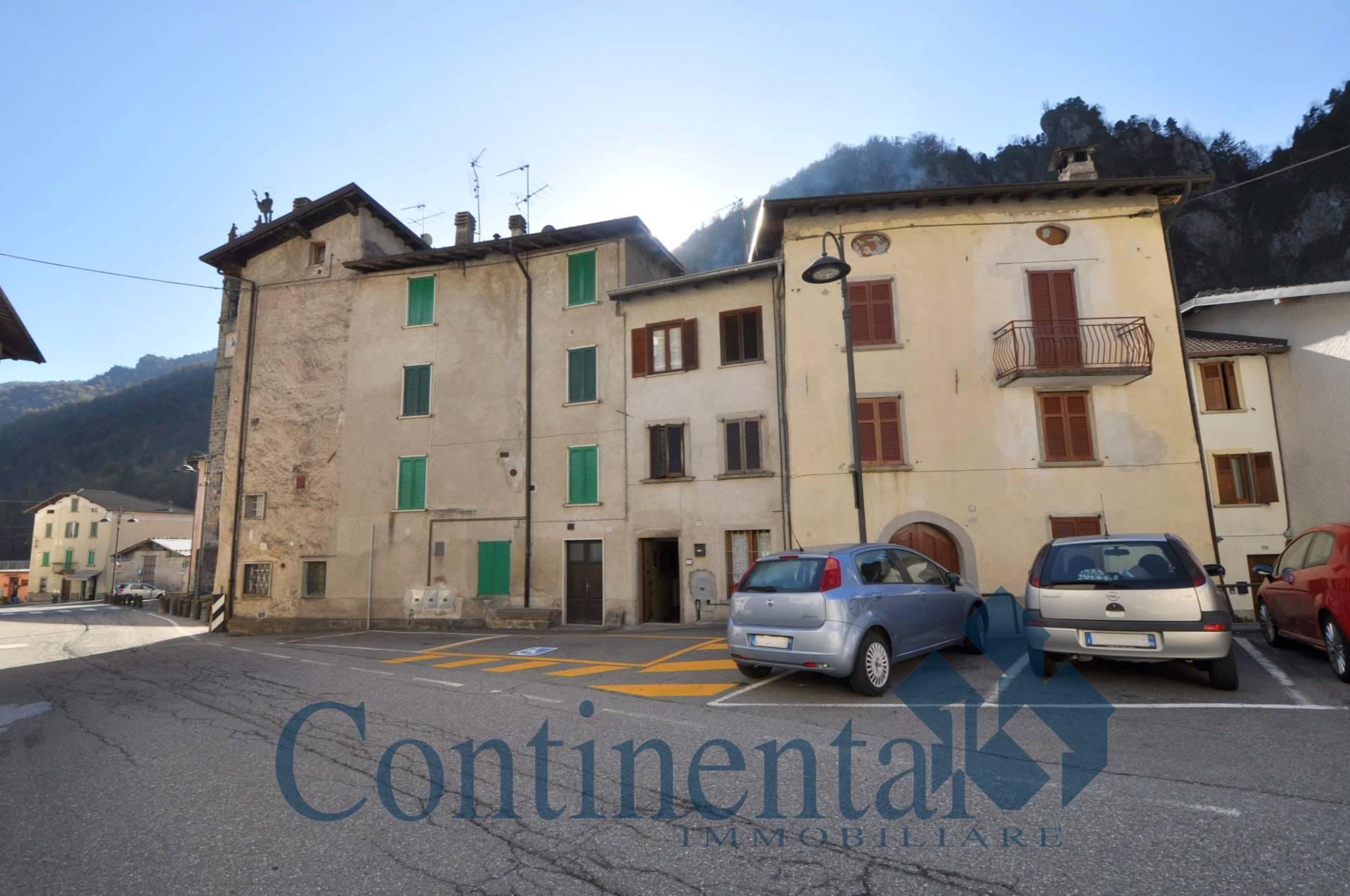 Foto 1 di Appartamento Via Roma, Cassiglio
