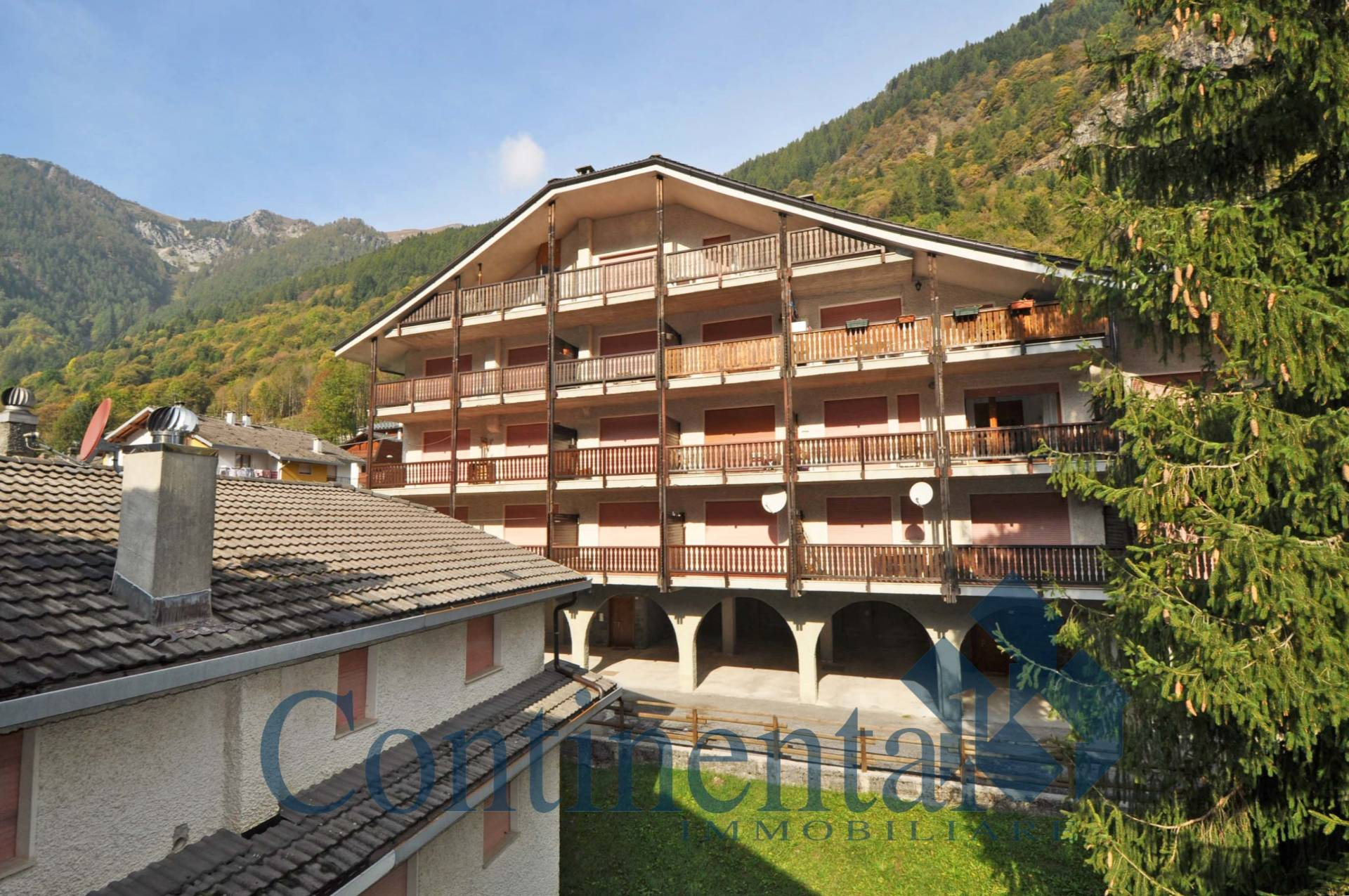 Appartamento in vendita a Carona, 5 locali, prezzo € 89.000   PortaleAgenzieImmobiliari.it