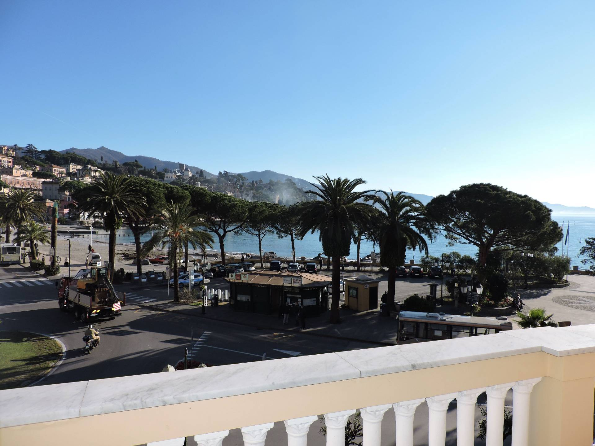 Appartamento in affitto a Santa Margherita Ligure, 6 locali, prezzo € 2.166 | Cambio Casa.it