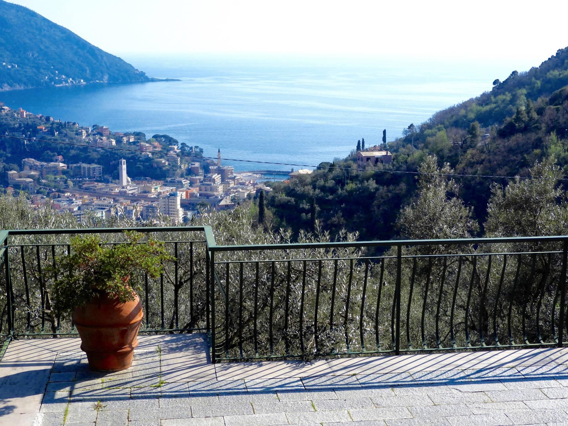 Villa in vendita a Recco, 9 locali, zona Zona: Megli, prezzo € 850.000 | Cambio Casa.it