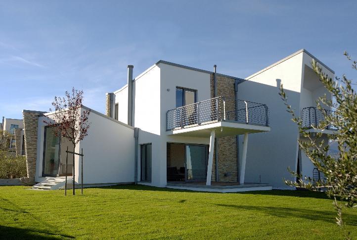 Villa in vendita a Teramo, 7 locali, zona Località: Specola, prezzo € 260.000 | Cambio Casa.it