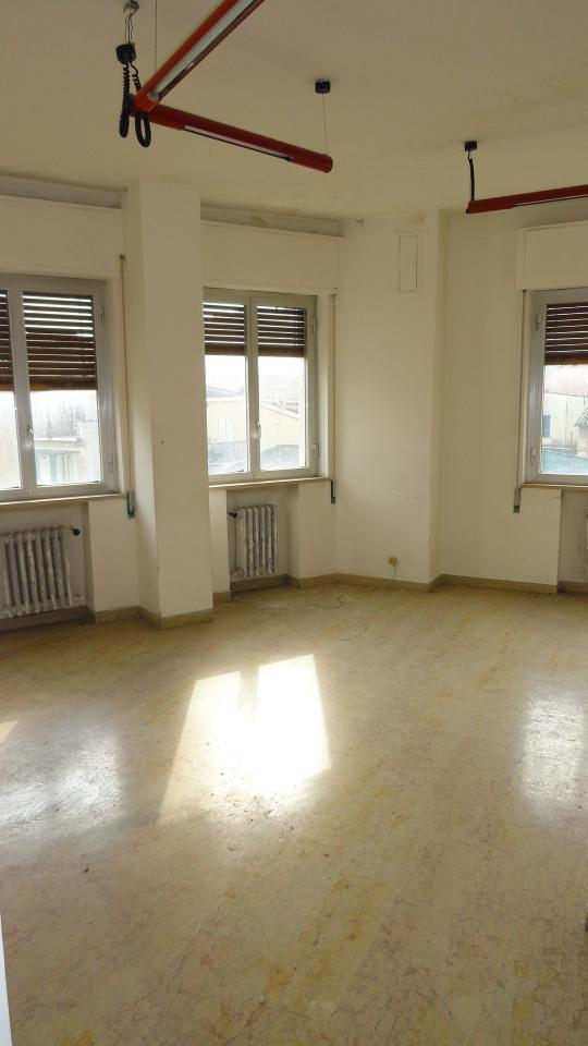 Ufficio / Studio in vendita a Teramo, 9999 locali, zona Località: CentroStorico, prezzo € 1.200 | Cambio Casa.it