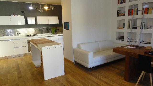 Soluzione Indipendente in vendita a Teramo, 5 locali, zona Località: Pianosolare, prezzo € 235.000   Cambio Casa.it